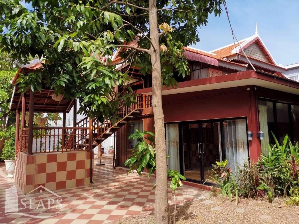 4 Bed Villa For Rent In Tuol Kork Area.