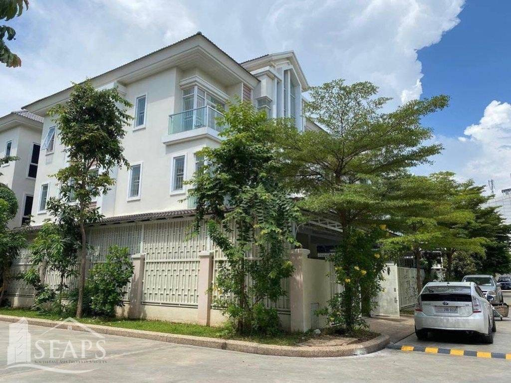 4 BEDROOMS VILLA FOR RENT  IN SEN SOK