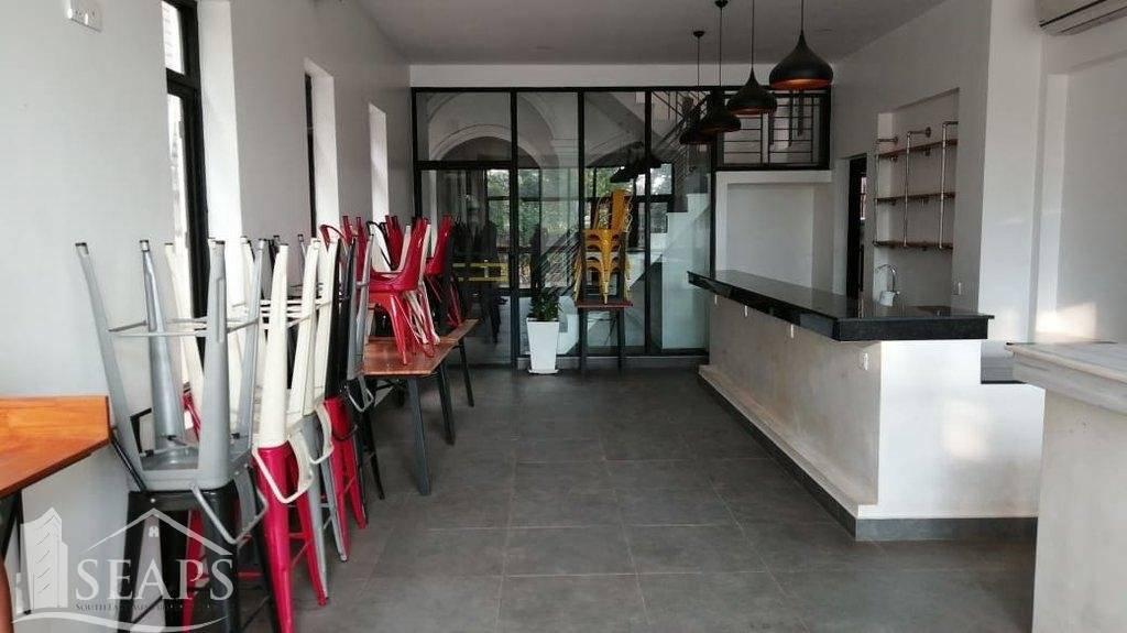 Hostel/restaurant  for rent.