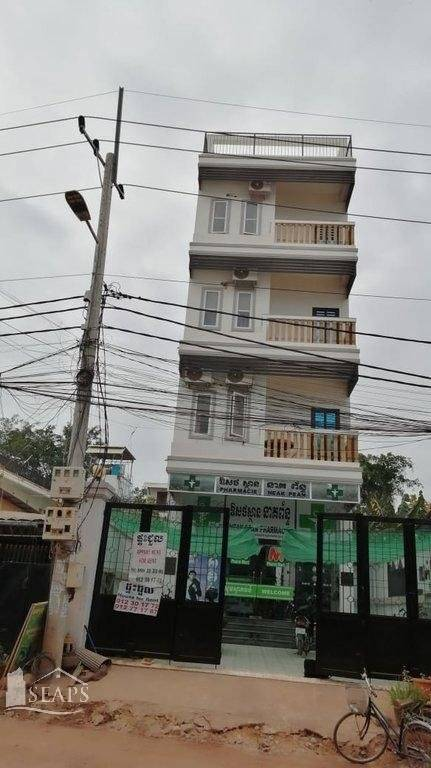 Shop-guesthouse for rent.
