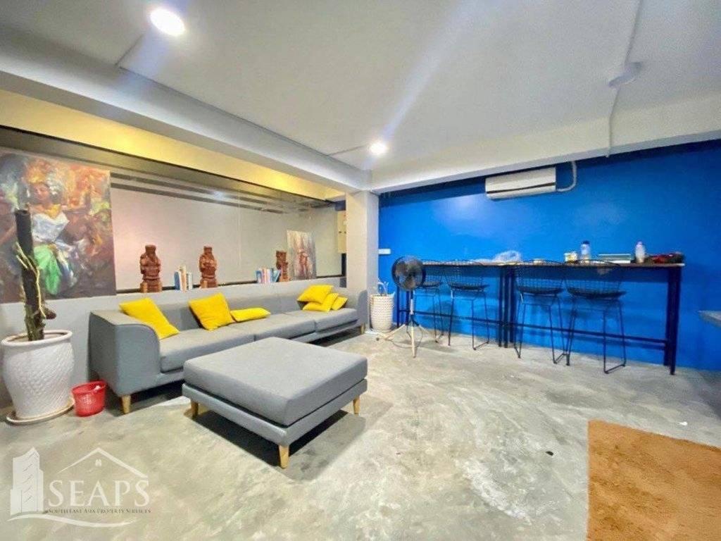 Rental Building Chamkarmon