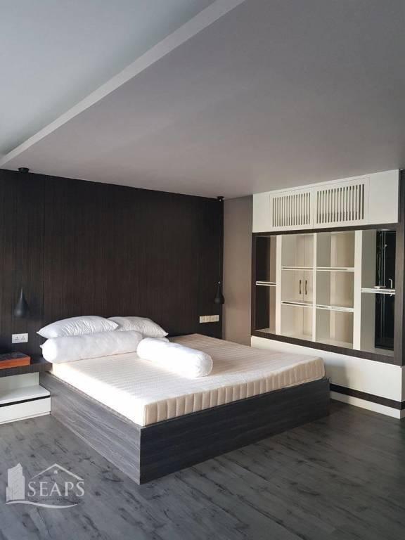 5 BEDROOMS VILLA FOR RENT IN BOENG KOK