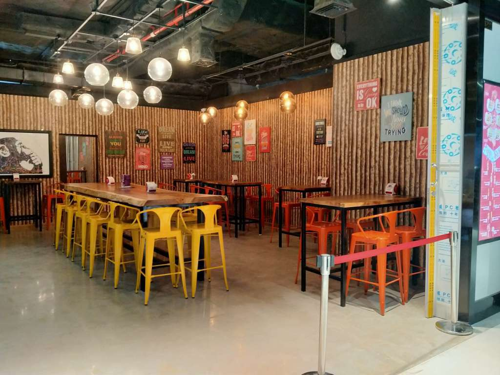 Fast Food Restaurant in Retail Mall