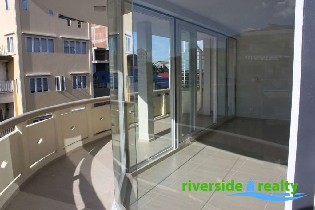 BRAND NEW SPACIOUS RIVERSIDE PAD