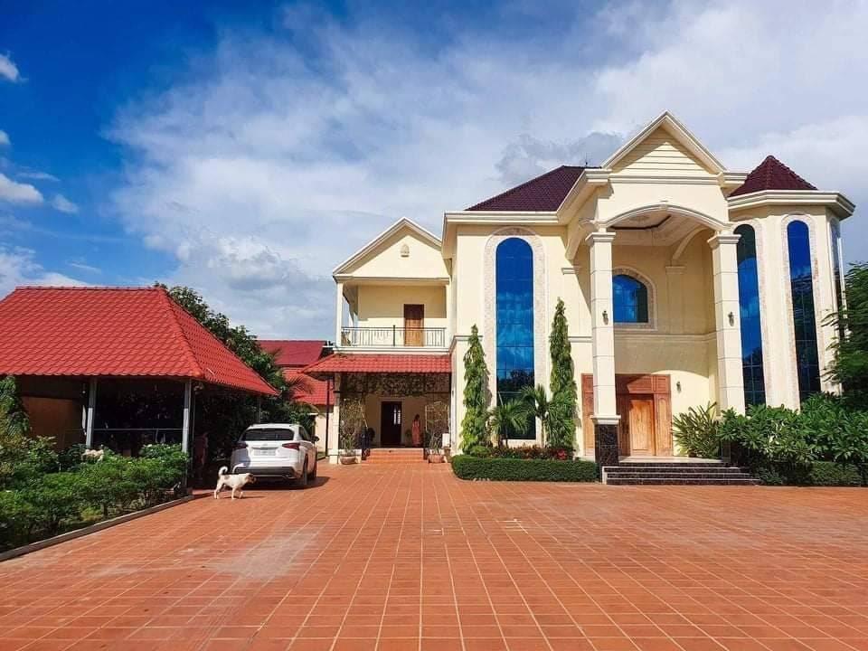 出售 别墅 Ta Khmau